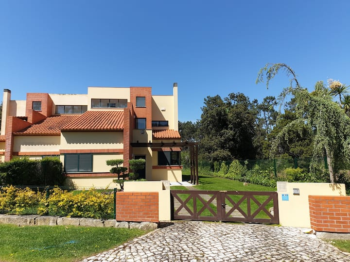 Luxury House with 3+1 Bedrooms in Private Resort