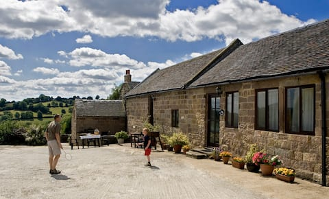 Doveholes Barn - Countryside and Character