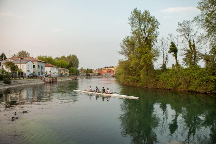 House in natural park along the river - Treviso - Byhus