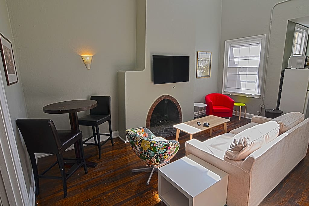 dupont city loft downtown dc apartments for rent in washington district of columbia united. Black Bedroom Furniture Sets. Home Design Ideas