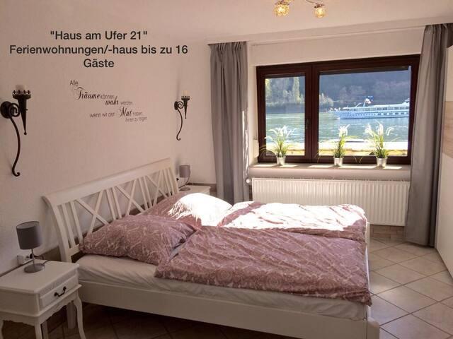 """""""Haus am Ufer"""" a. d. Rheinpromenade in Koblenz - Coblenza - Apto. en complejo residencial"""