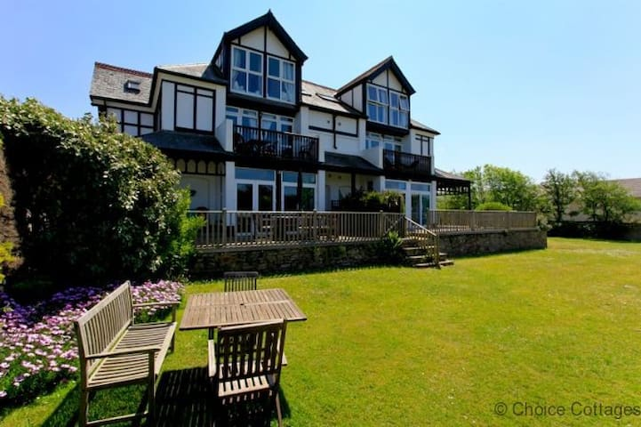 CROYDE 3 LORNA DOONE | 3 Bedrooms - Croyde - Apartment