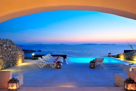 Spirit Villas 3BD private pool liveandtravelgreece
