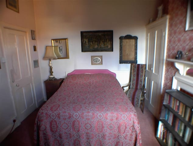 Michael's Home - Double Room 2-Mid
