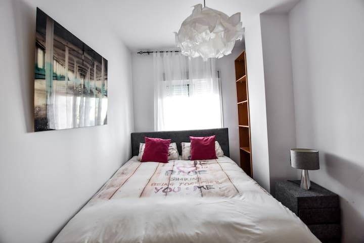 Luxury double bedroom close to Pacha
