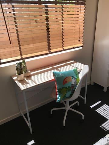 Smart new furniture, comfortably furnished.