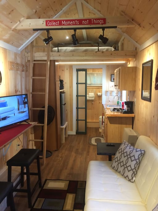 real tiny house on wheels near exeter portsmouth tiny houses for rent in epping new. Black Bedroom Furniture Sets. Home Design Ideas