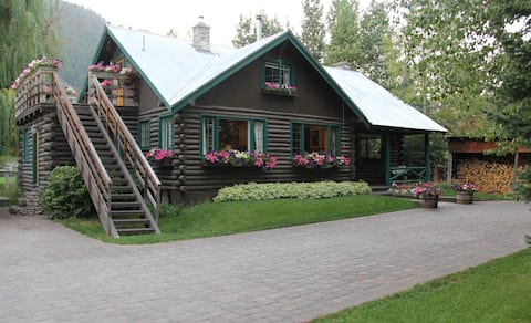 Ketchum Cabin Studio Apartment with private deck