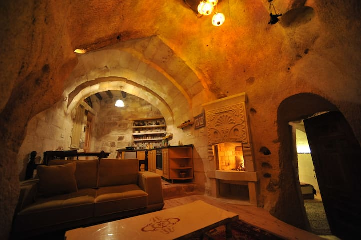 Cave House with Turkish Bath - Ortahisar Belediyesi - Talo