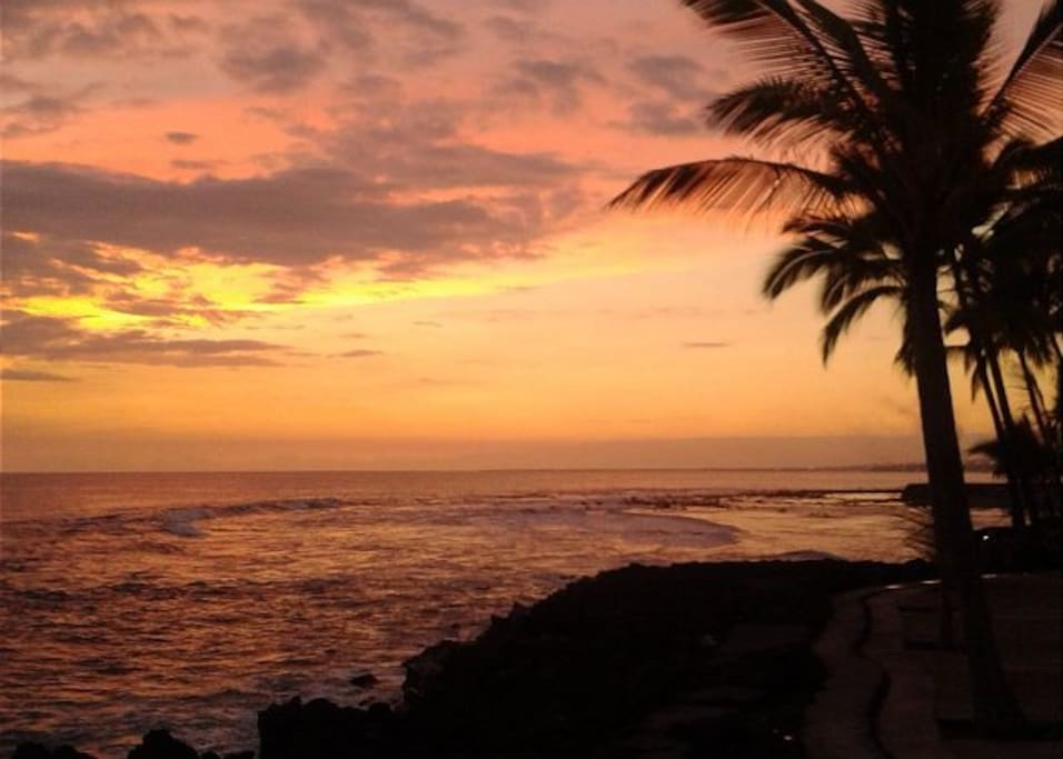 Famous Kona Sunsets from your Ocean Front Lanai