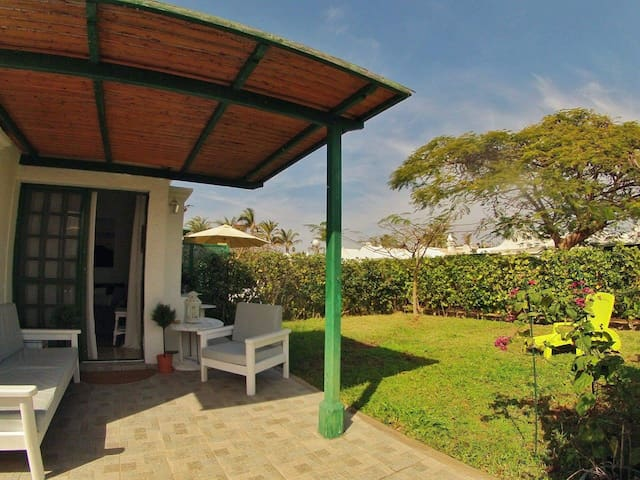 Cosy bungalow with private garden - Maspalomas - Flat