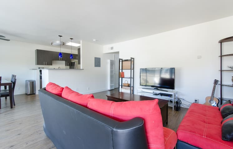 Newly Renovated 2BR with Pool in Sunnyvale - Sunnyvale - Appartement