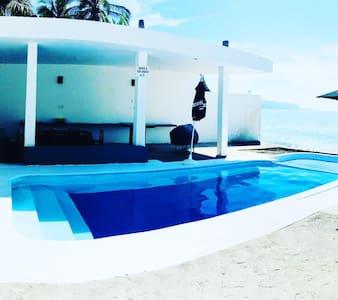 Casa de Los Cocos