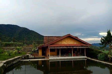 Villa Paniisan Putri Athaya 1 - บันดุง - วิลล่า