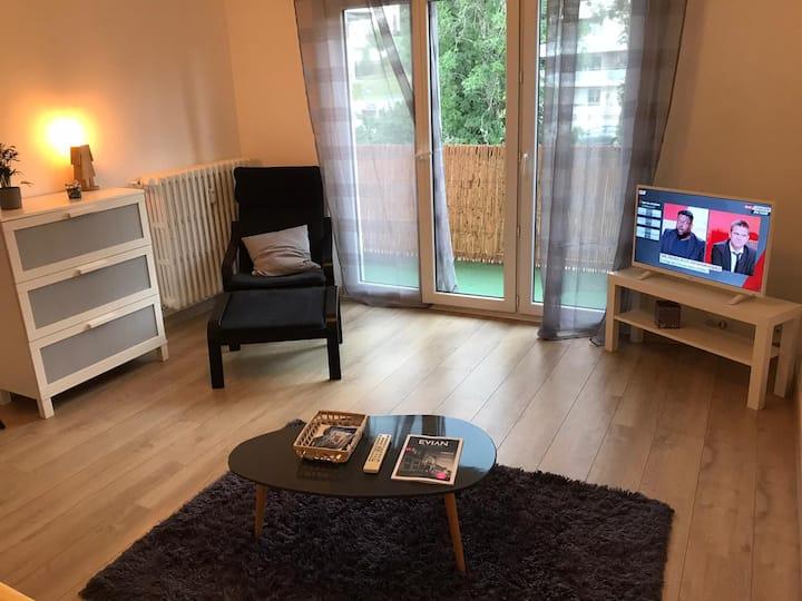 Studio spacieux avec balcon