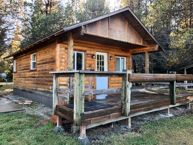 Late Season hunters lodge Great accommodations!!!!