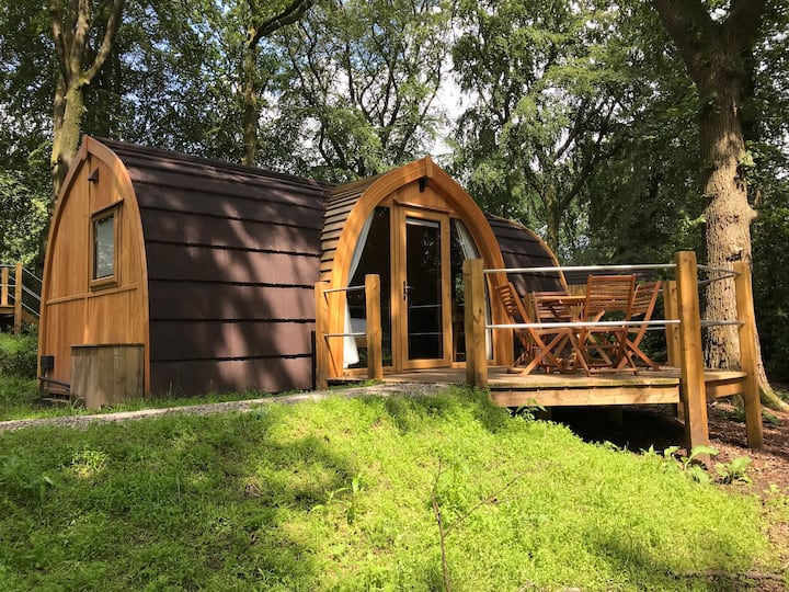 Luxury Lancashire Micro-Lodge, Oak