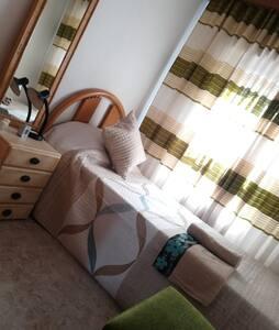 alojamiento para una persona en Alcobendas/Sanse