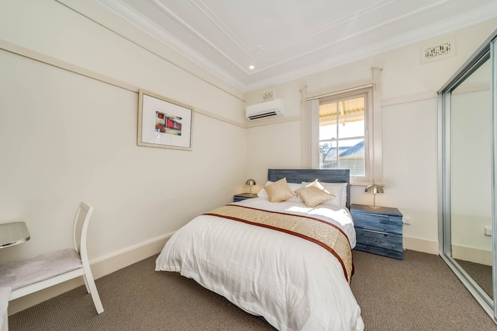 Marulan Stayz - Deluxe Room #4 ONLY