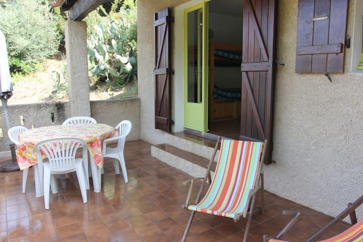 studio avec grande terrasse sans vis à vis