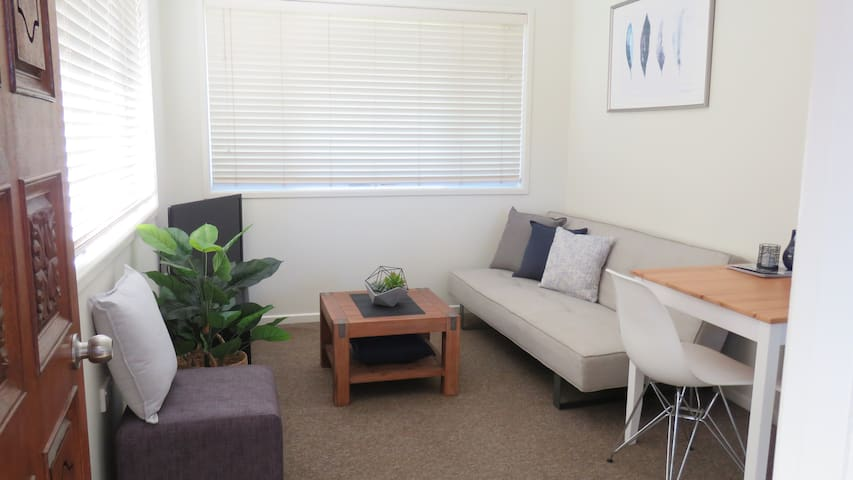 Relaxing 1st Floor Homestay Unit - Ormiston