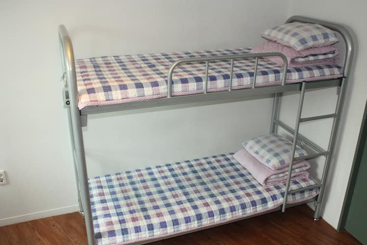 6 people dormitory room(2 people)