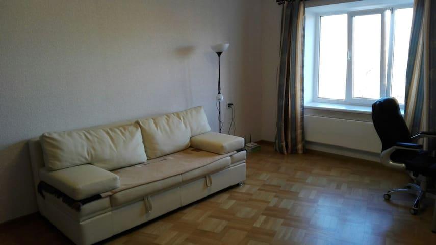Новая квартира рядом с Приоратским парком и замком - Gatchina - Apartemen
