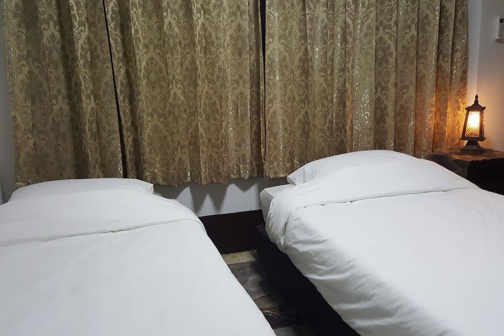 ห้องนอน1 ห้องแรกชั้น 1 กว้างๆสบายๆ