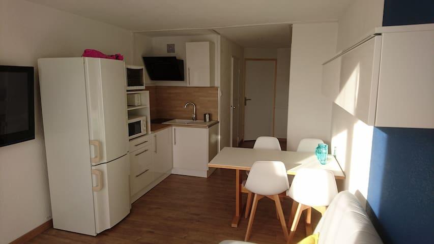 STUDIO+coin nuit fermé proche plages - La Londe-les-Maures - Apartamento