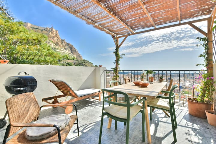 Amazing sea view luxury apt. in Alicante old town