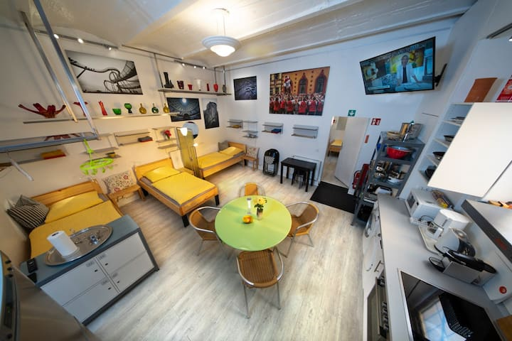 A3 Mehrbettzimmer (4-5 Betten) mit Küchenbereich