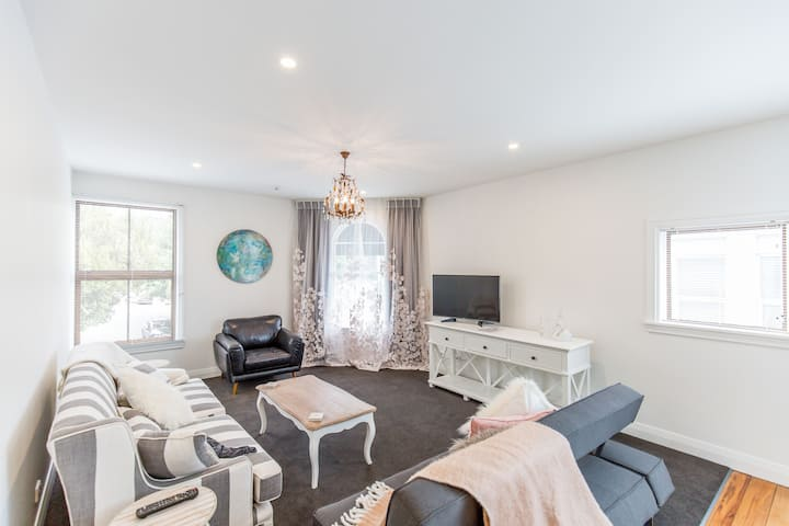 Provincial Apartment 2 - Nelson Holiday Home