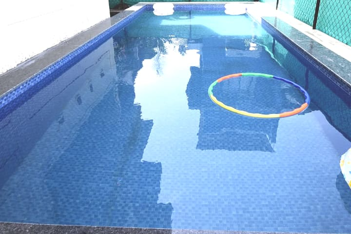 2bhk//pool//lawn//non ac//basic villa//malavali