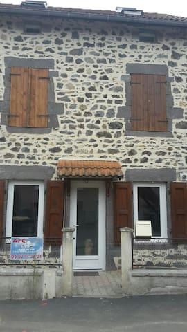 Maison à Saint ours