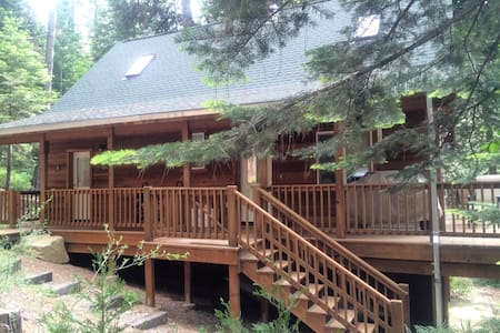 The Knotty Pine Cabin - Mi-Wuk Village - Chalet