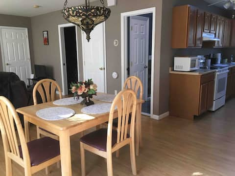 Bright Spacious All Private Apartment Close to All