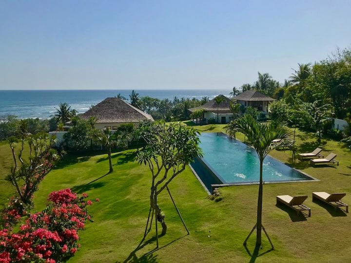 Luxury Suite  Ocean view at Balian Prana Lodge