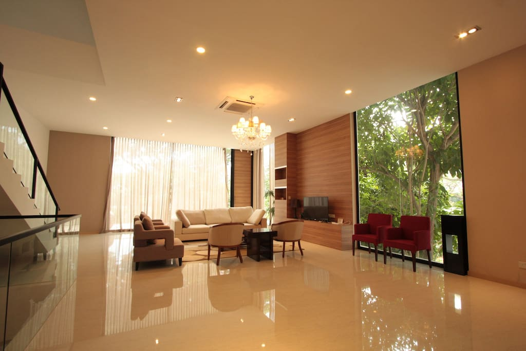 2nd storey living area.