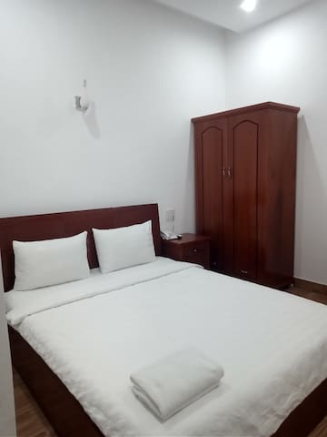 Double room Tuy Hoa city 3mi walk to beach