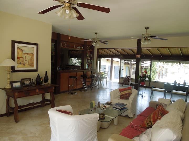 Casa no Canal - Bracuhy - Angra dos Reis/RJ