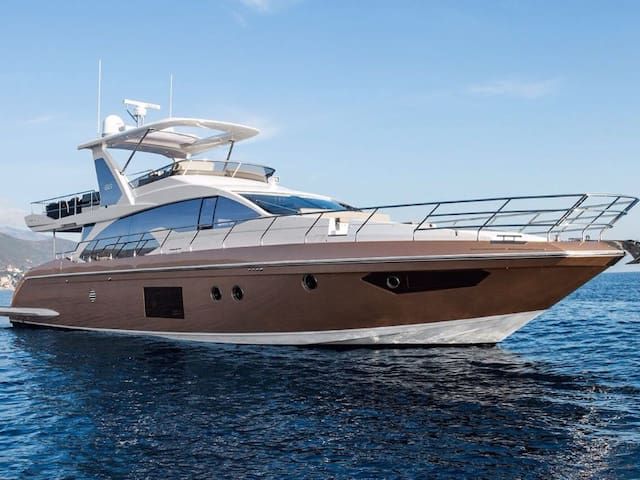 66ft Azimut Yacht- Newest in City - Cartagena - Boat