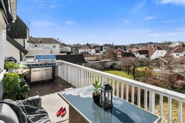Nyoppusset, sentral leilighet med solfylt terrasse