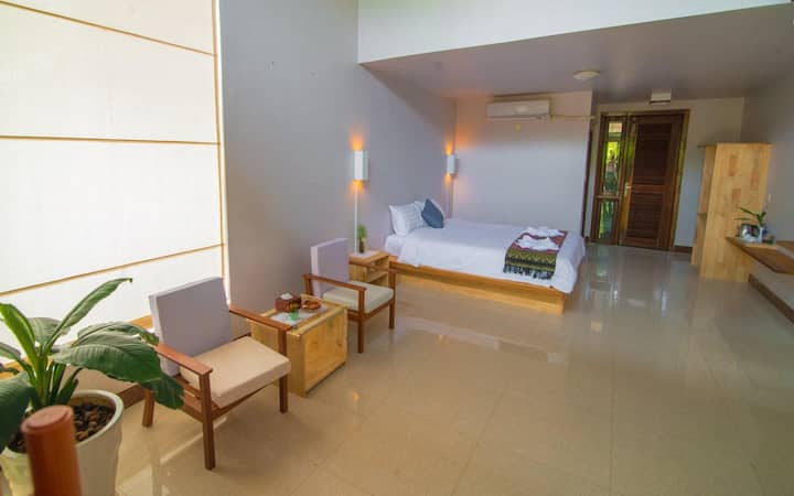 Green Village House Room1
