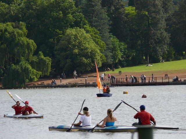 Canoeing on Emmarentia Dam