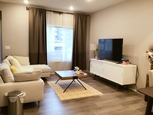 Brand new house near Airport with private bathroom