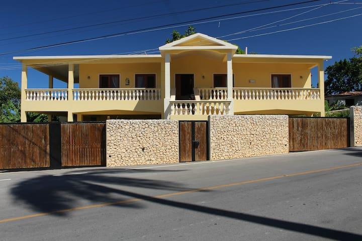 Villa Grande - Cabrera - House