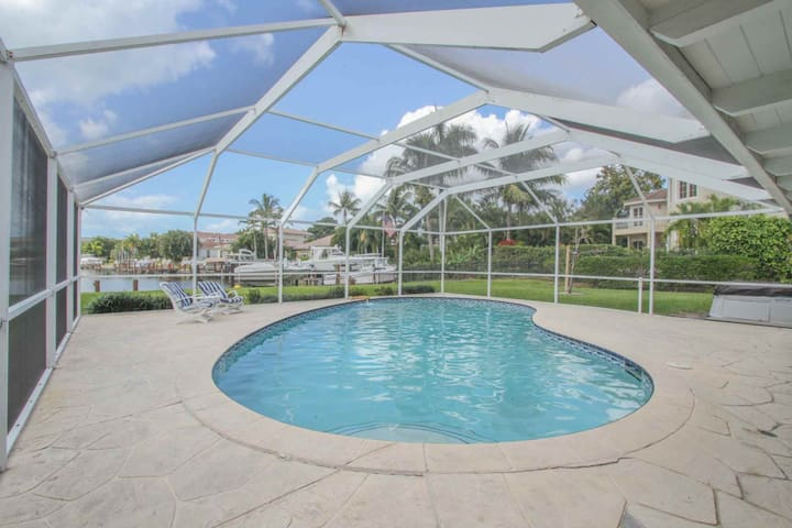 Waterfront Pool Home in the Moorings w/ Dock & Gulf Access. Fabulous Views & Fantastic Location!