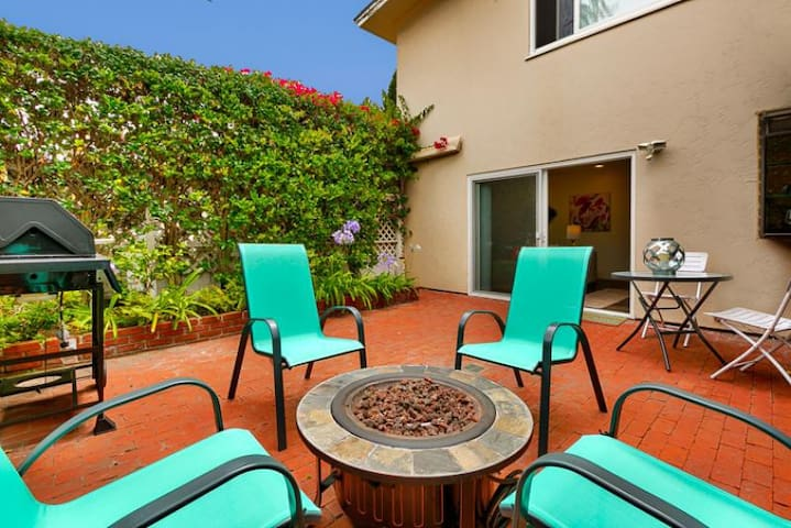 25% OFF AUG - Charming Oceanfront Home & Steps to Beach