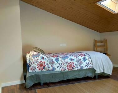 Tranquila habitación privada en Manresa