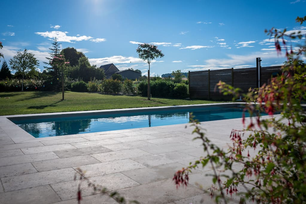 Fermette 19e si cle avec piscine maisons louer oyes for Camping champagne ardennes avec piscine